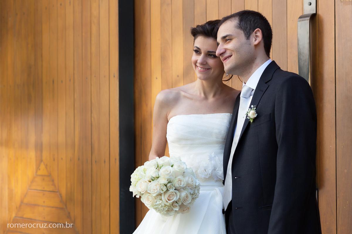 Ensaio fotográfico de casal de noivos no casamento no Restaurante Cantaloup em São Paulo-SP fotografado pelo fotógrafo profissional Romero Cruz