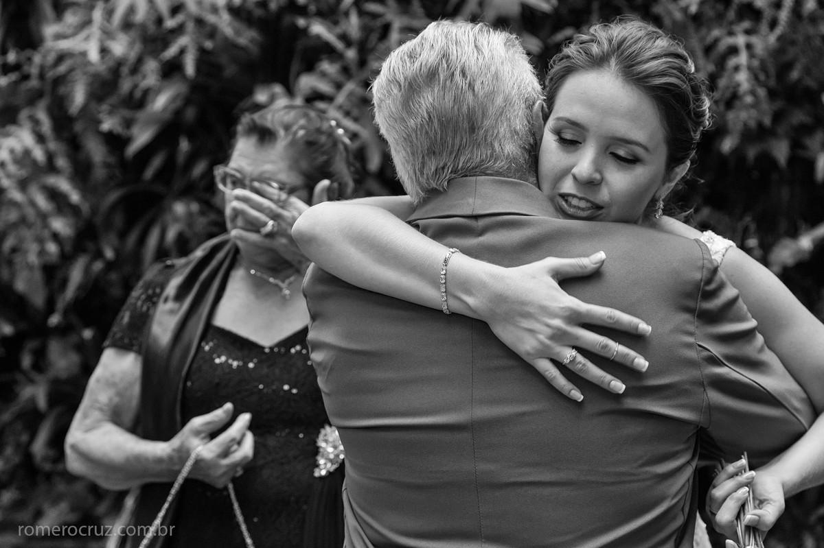 Romero Cruz fotografou o momento emocionante da noiva cumprimentando o avô
