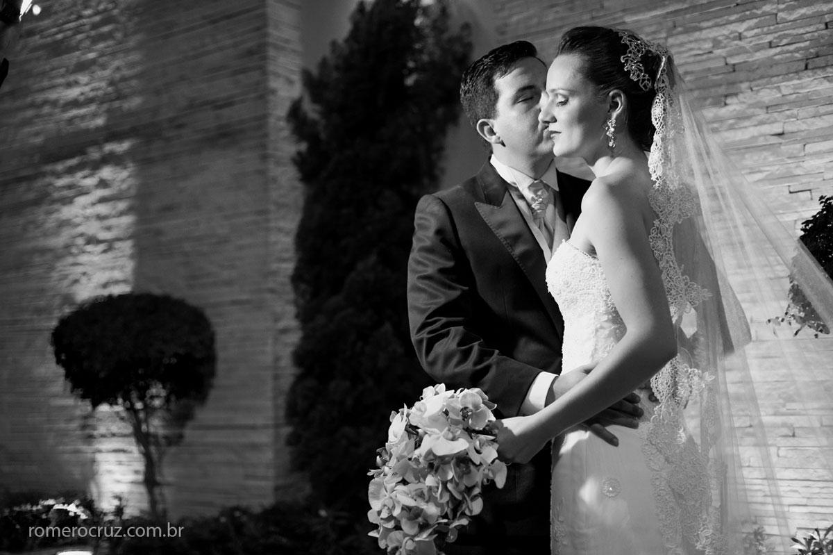 Ensaio fotográfico do casamento dos noivos Larissa e Flavio pelo fotógrafo Romero Cruz