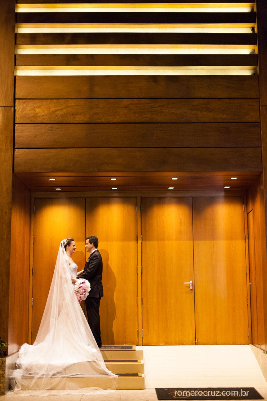 Fotografia do ensaio do casal Larissa e Flavio no casamento peito pelo fotógrafo Romero Cruz
