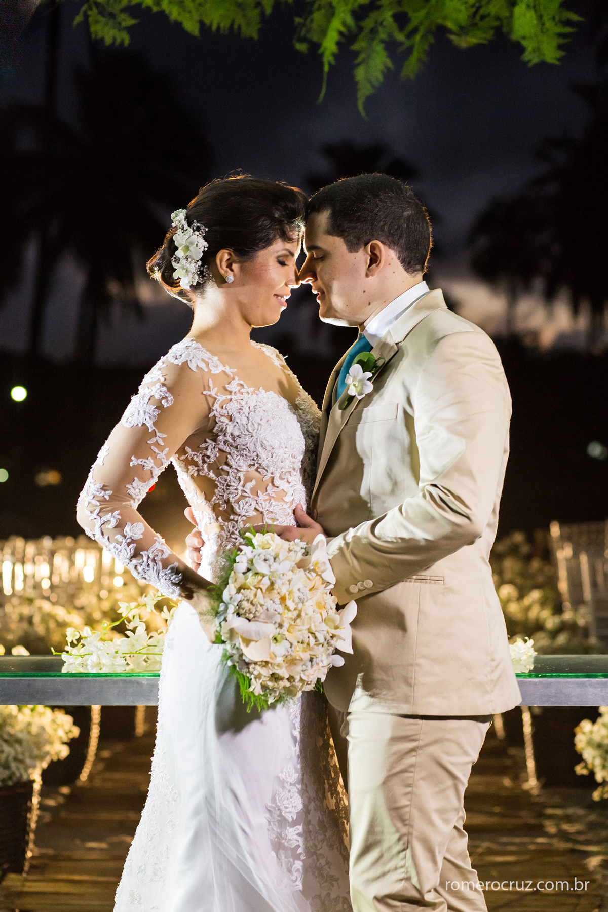 Casamento de Marianne e Alysson realizado na Praia do Paiva-PE pela lente do fotógrafo Romero Cruz