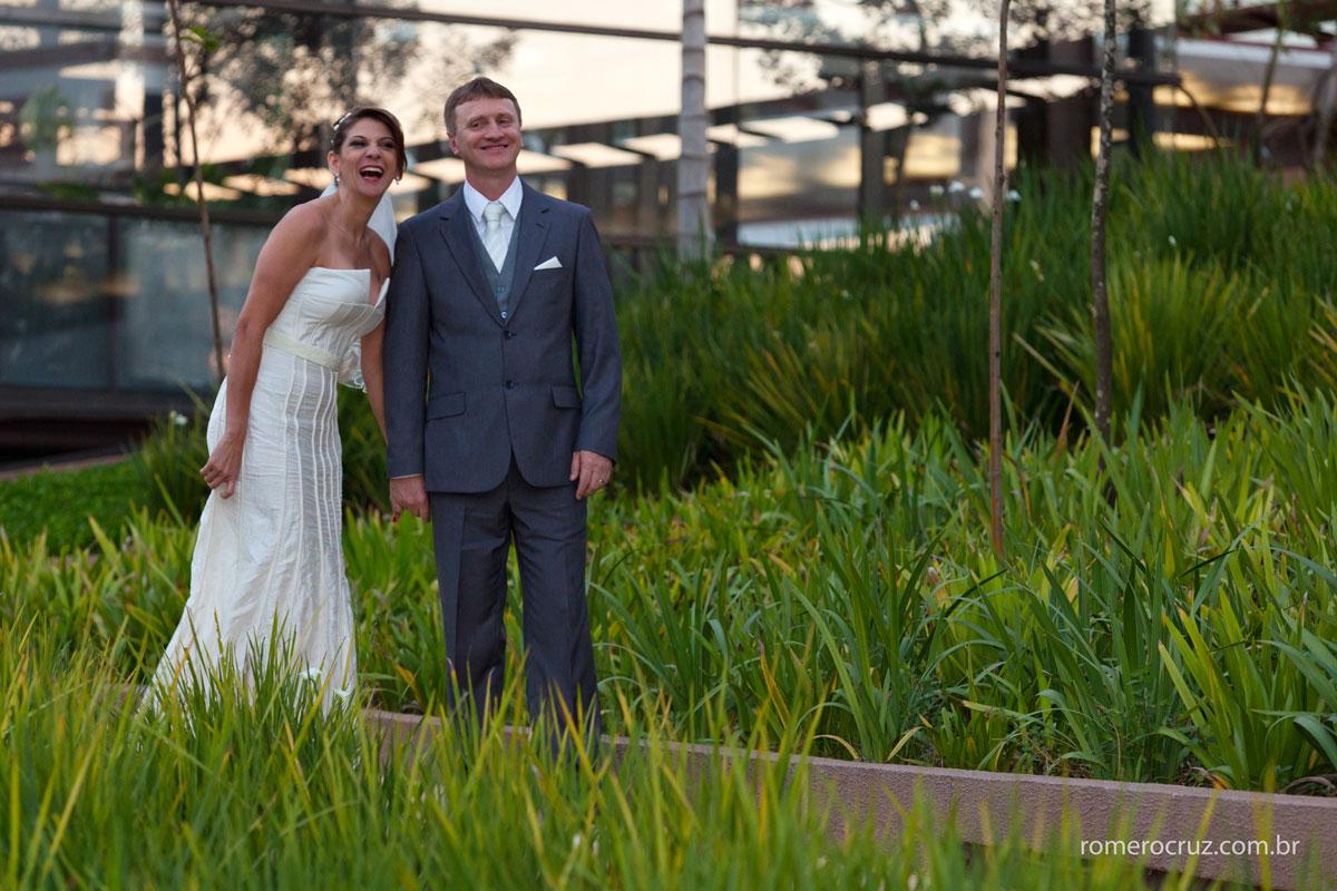 Ensaio fotográfico de casal feito pelo fotógrafo de casamento Romero Cruz em São Paulo-SP