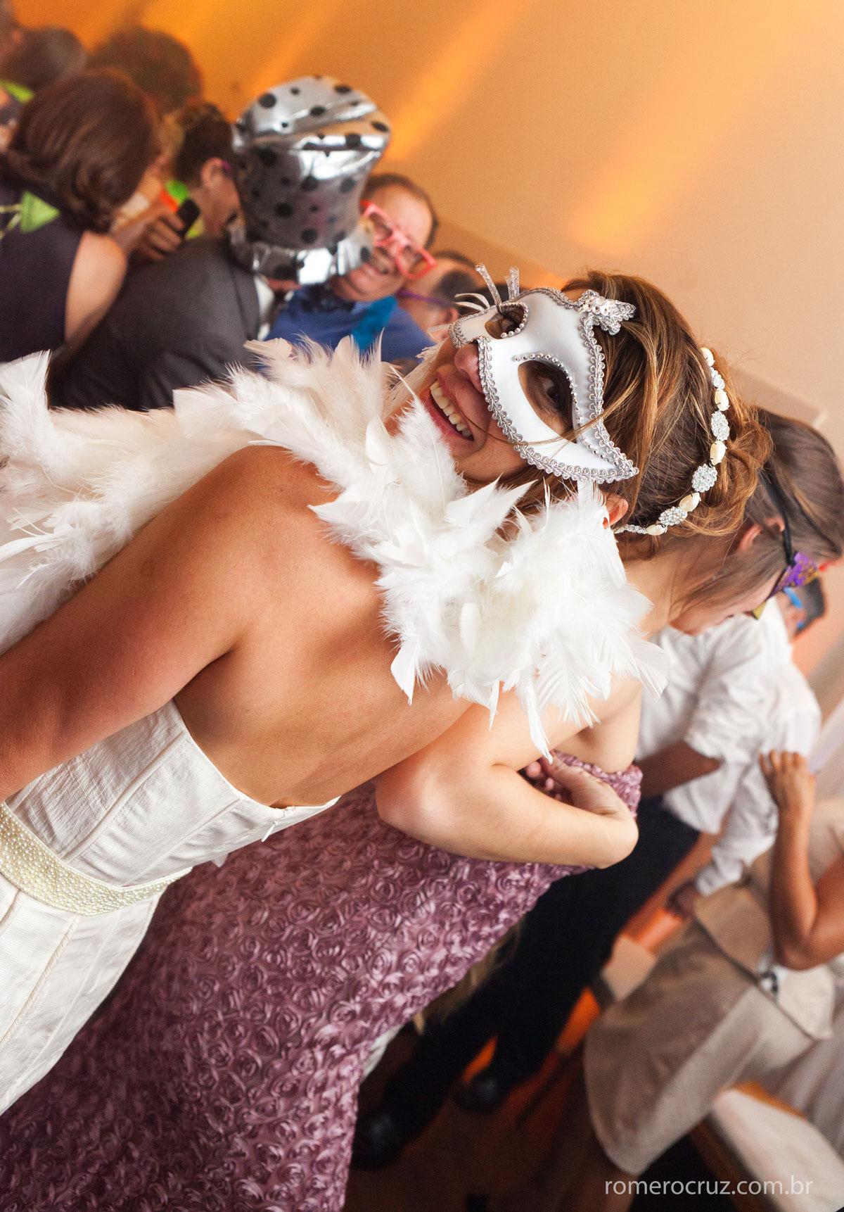 Festa de casamento dos noivos Monica e Carla, nessa foto a felicidade registrada por Romero Cruz
