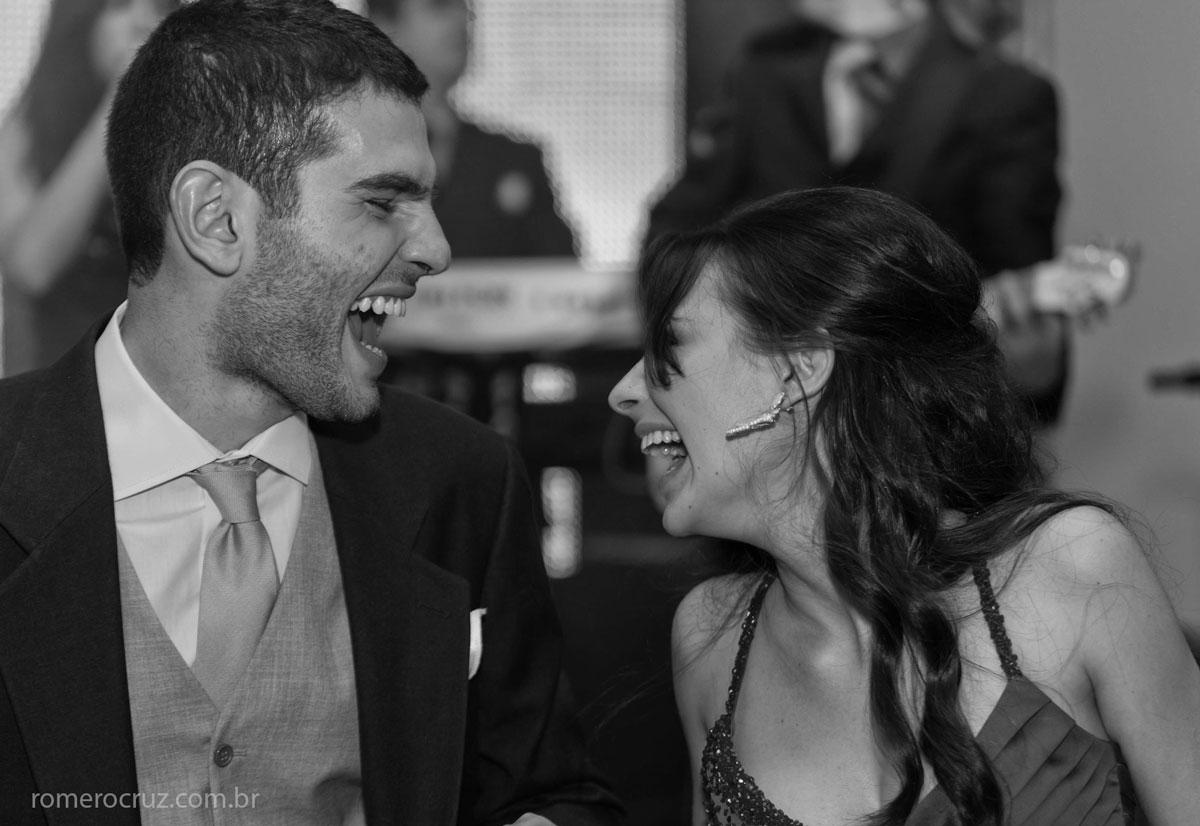 casais dançando na festa do casamento dos noivos Natalia e Guilherme