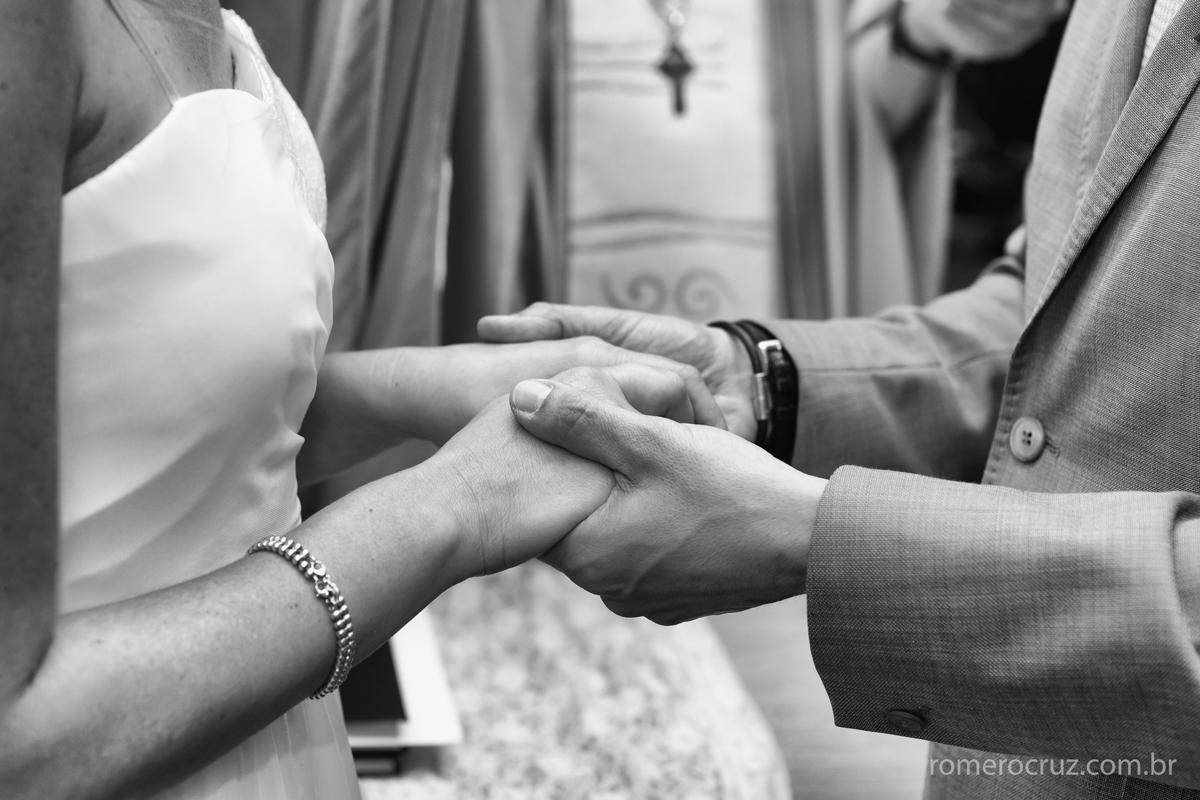casamento abençoado dos noivos João Paulo e Thais