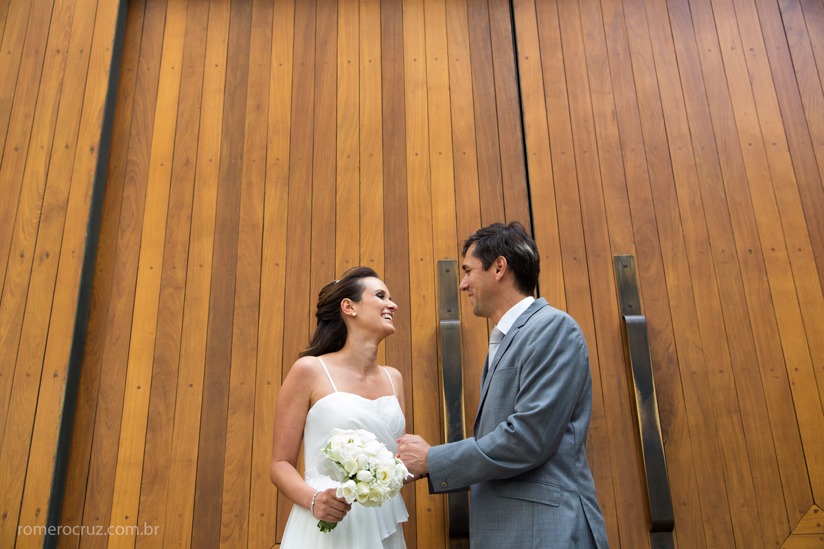 Ensaio dos noivos no casamento no restaurante Cantaloup