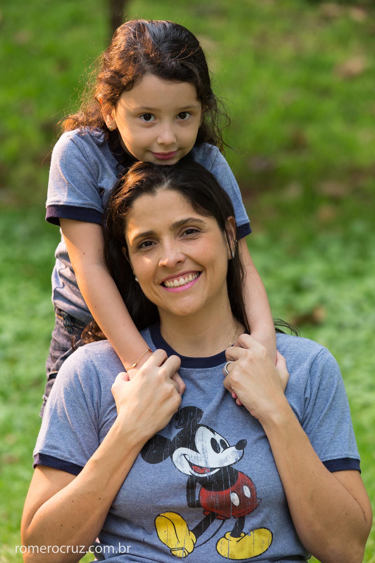 Carla e Anna mãe e filha em lindo ensaio feito pelo fotógrafo Romero Cruz