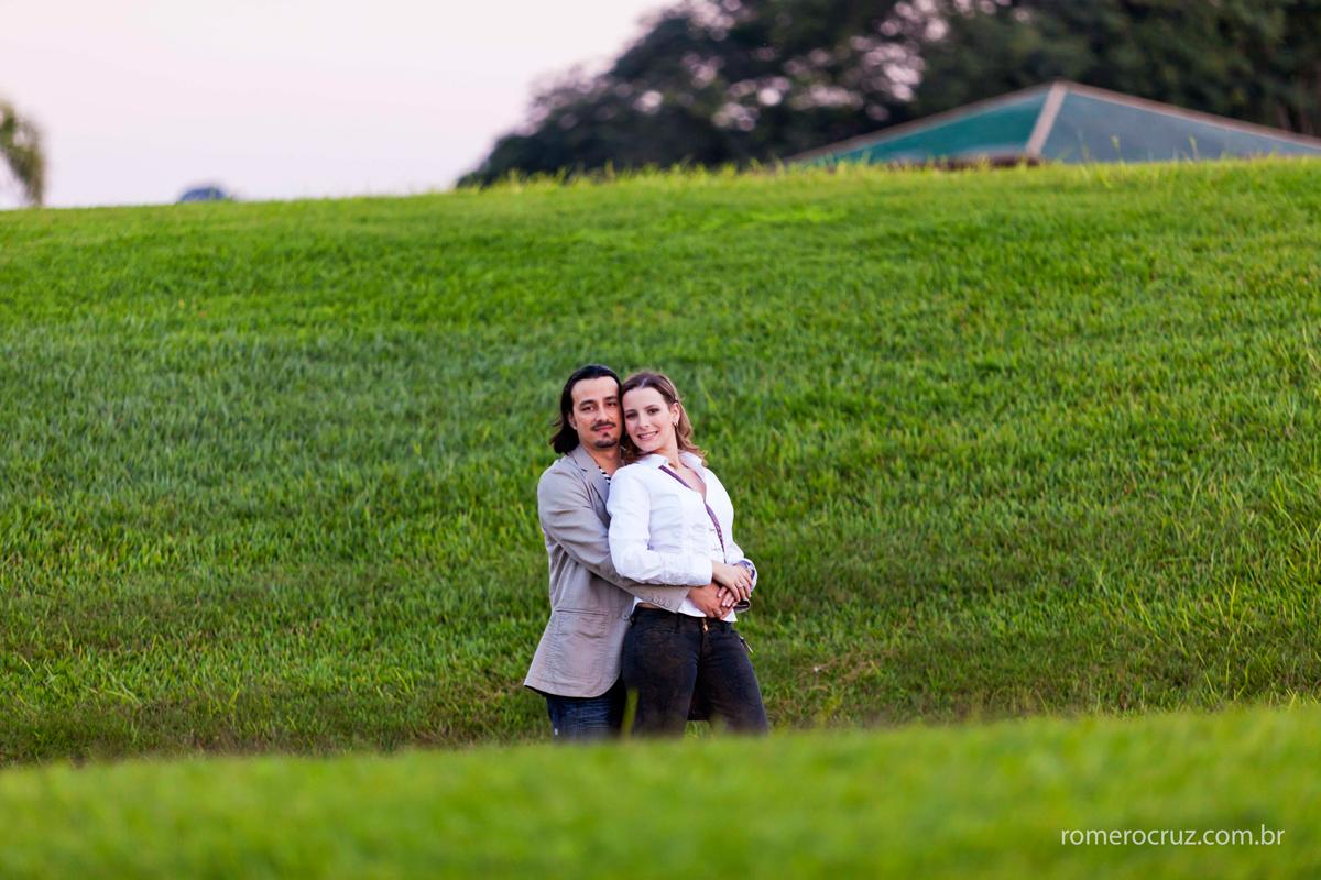 Casal Natalia e Guilherme fotografado por Romero Cruz