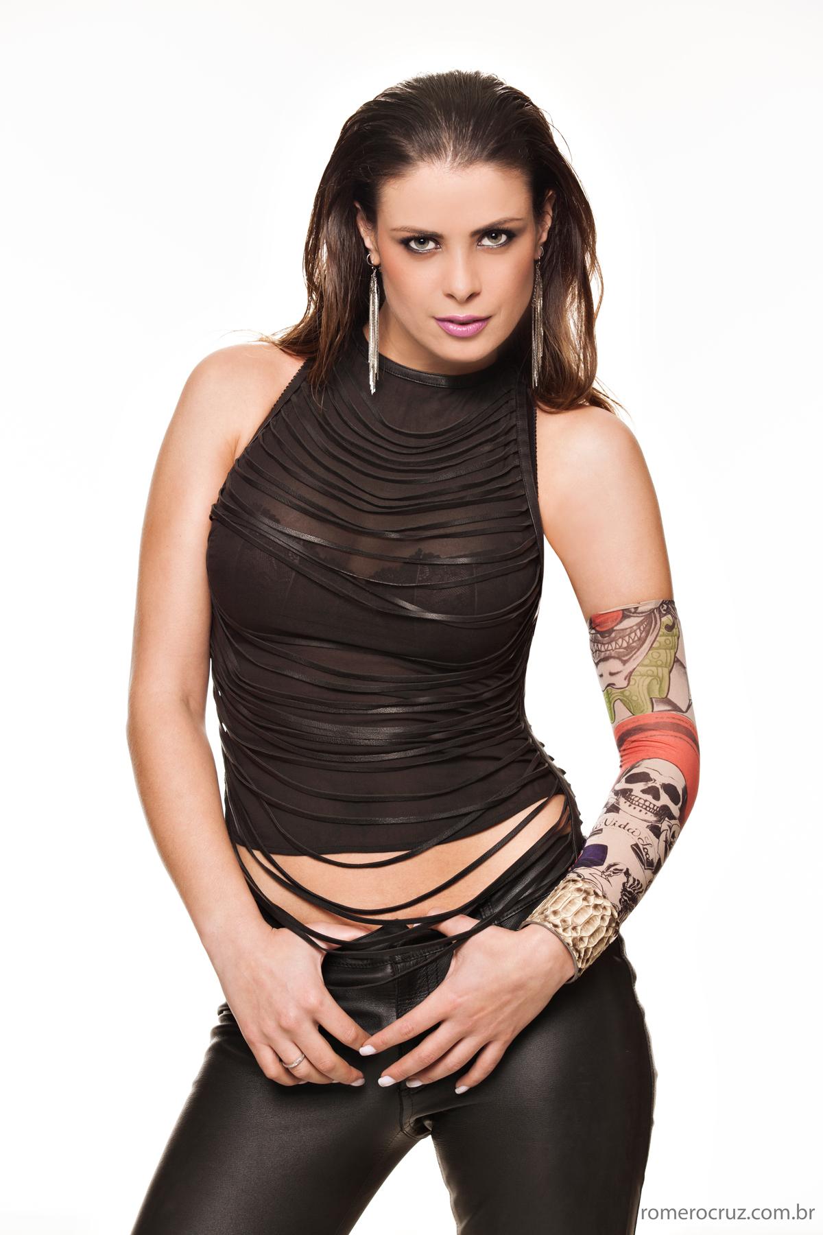 Foto da bela modelo Raquel Freire