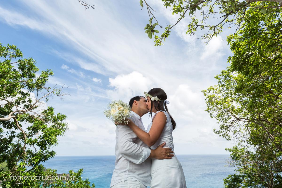 Ensaio de casal em Fernando de Noronha-PE feito pelo fotógrafo Romero Cruz
