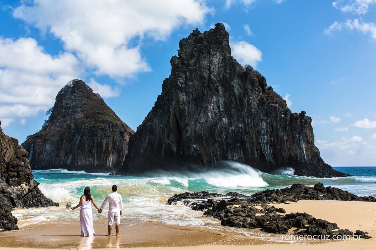 Ensaio fotográfico de noivos no Morro dois iirmãos em Fernando de Noronha-PE