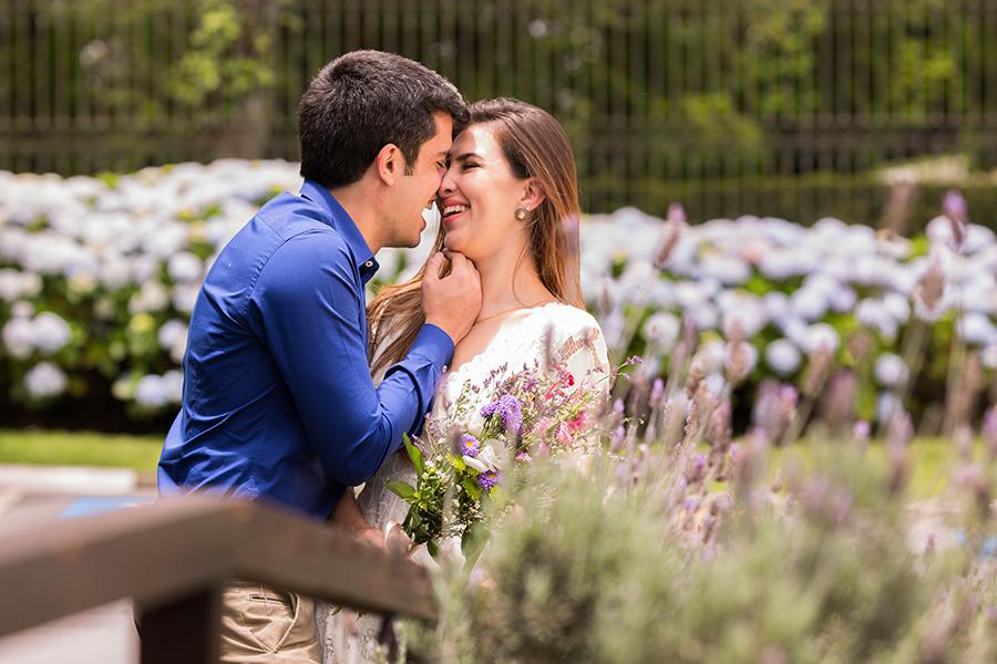A felicidade do casal Erica e Toni no ensaio fotográfico pré casamento