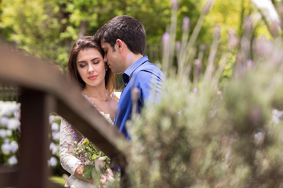 Casal de noivos Erica e Toni fotografado em Campos do Jordão