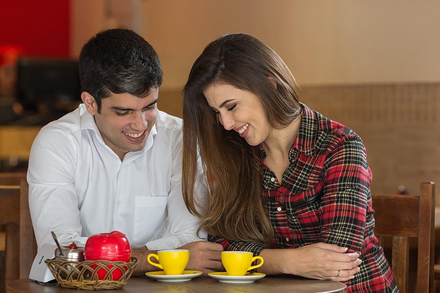 Casal de noivos Erica Farat e Antonio de Matos em ensaio pré casamento