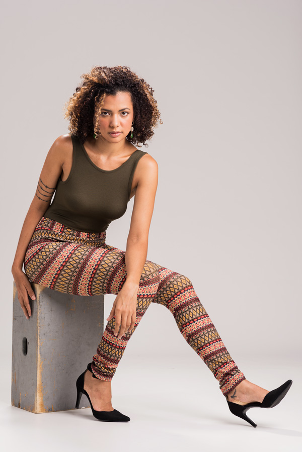Bela modelo Ozanah Ferreira em ensaio fotográfico