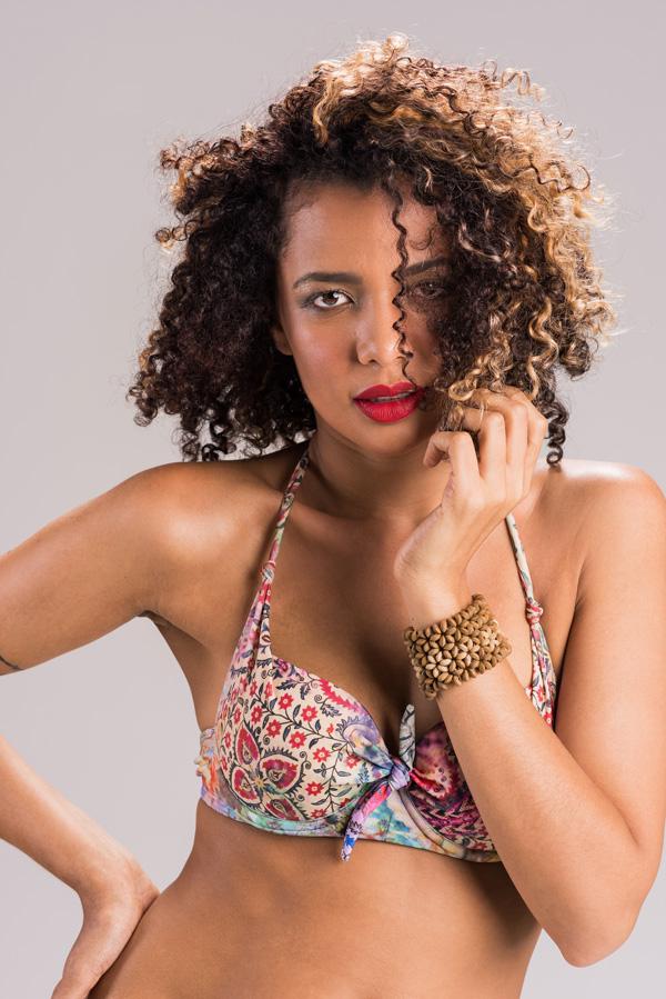 Ensaio em estúdio da modelo Ozanah Ferreira pelas lentes do fotógrafo Romero Cruz