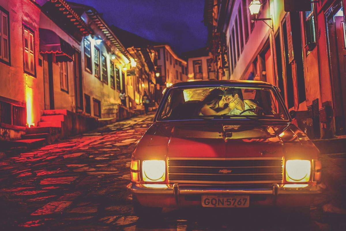 Linda foto tirada em Diamantina -MG, nas ruas apertadas e cheias de história, com o complemento de um opala cheio de estilo...