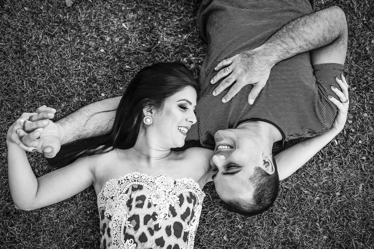 ensaio de casal, sessão namoro Franklin e Talita, casais 2018, casamento Patos de Minas-MG, lindas fotos de casal, Wellington Guimarães Fotógrafo