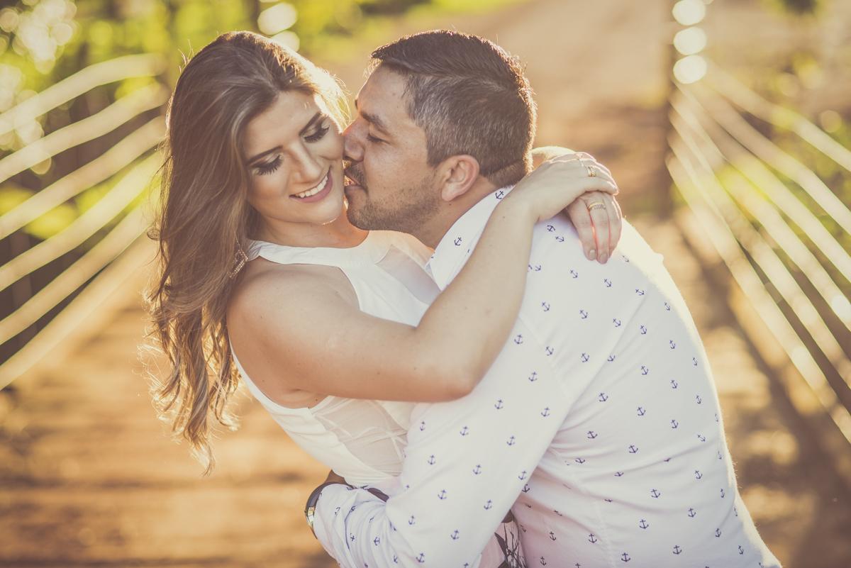 Sessão de fotos de Casal, namorando Lenizy e Vander Jr. Rio Paranaíba-MG, Wellington Guimarães Fotografias