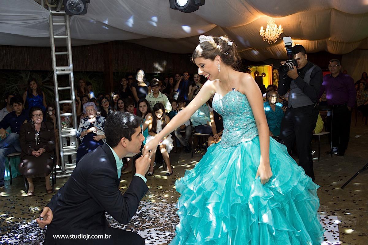 15 anos Marina em Taquaritinga,Fotografo de 15 anos, fotos de casamento, 15 anos, debutante, fotos modernas, fotos descontraidas, aniversarios, valsa, dança maluca, dança , fotografo de casamento em caruaru,melhor fotografo de caruaru, torit