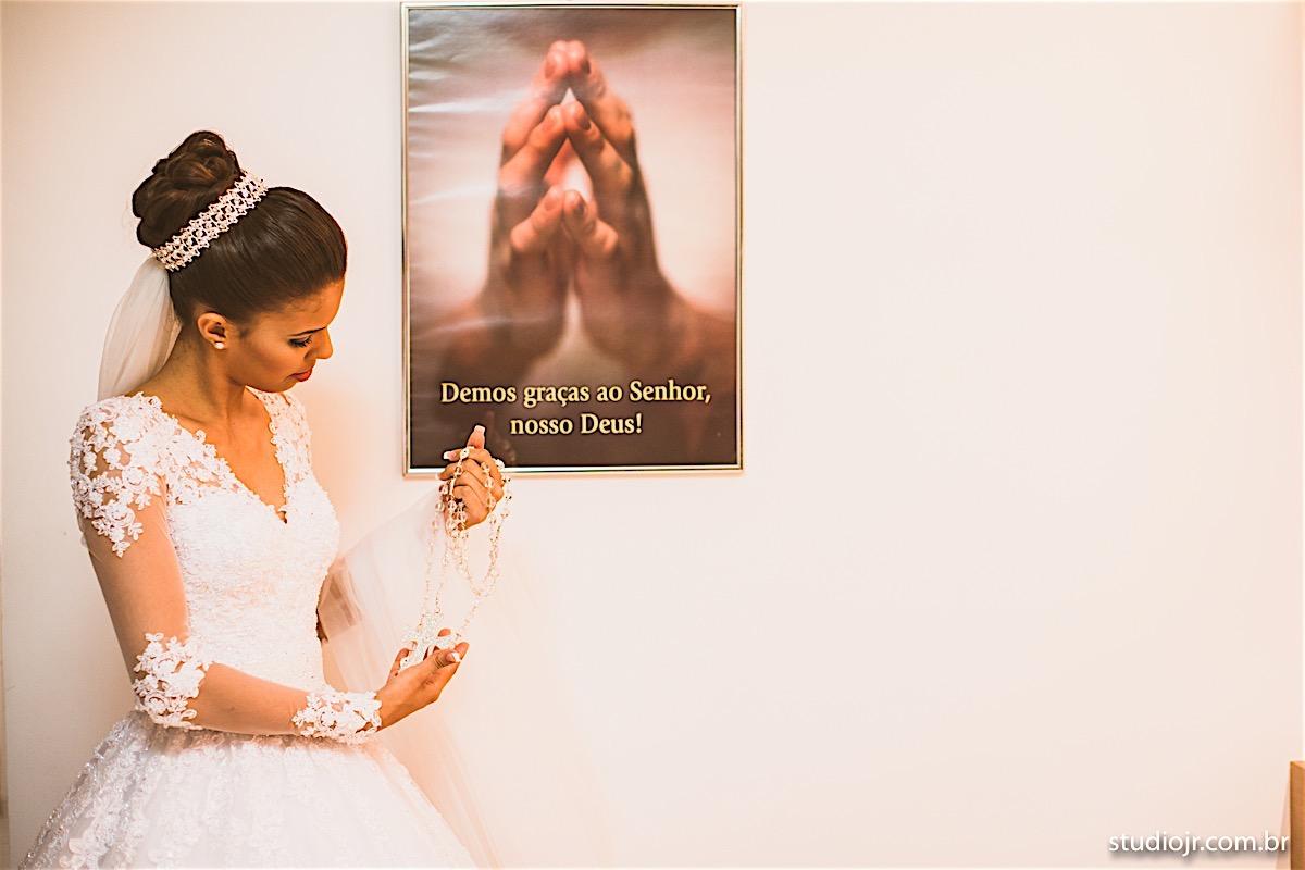 making off da noiva, noiva se arrumando, no quarto com as mães, no quarto com as irmãs , fotos do making of, fotos lindas de casamento , maria luiza e adiel