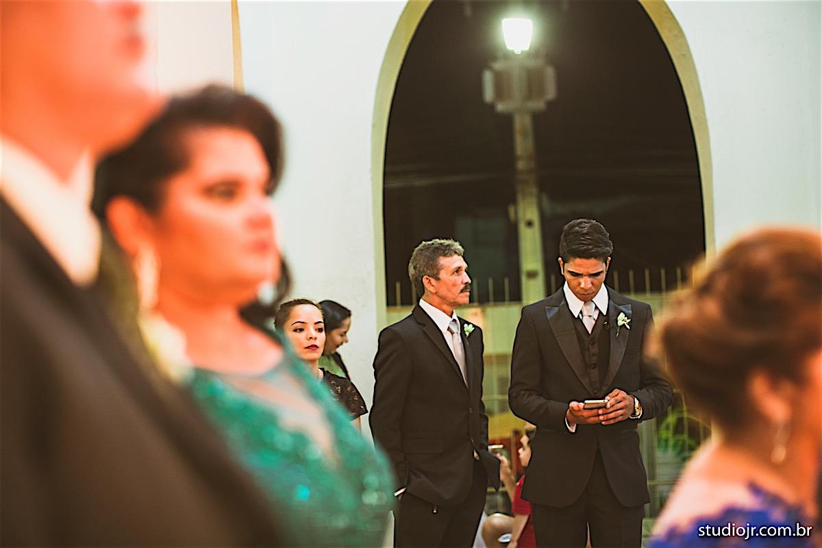 fotos na igreja nos preparativos do casamento, momentos antes
