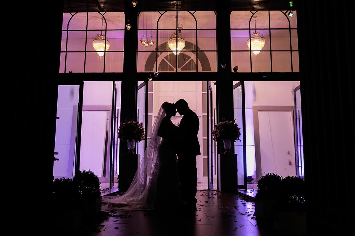fotografia feita por Cleber Thiber, silhueta do casal