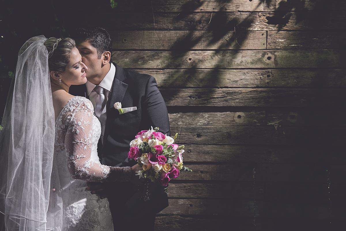 fotografia feita por Cleber Thiber, mini ensaio do casal entre a cerimônia e a festa do casamento