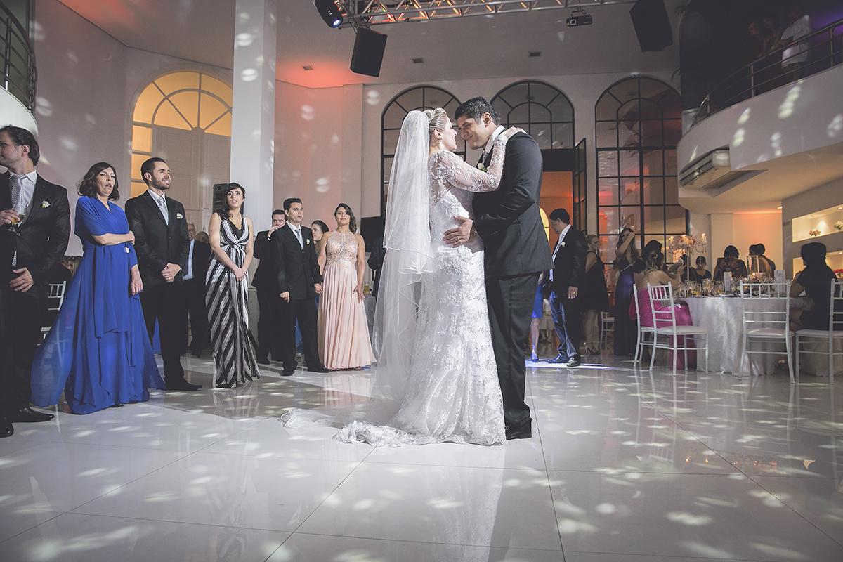 fotografia feita por Cleber Thiber, calça do casal, dança é sempre um momento importante