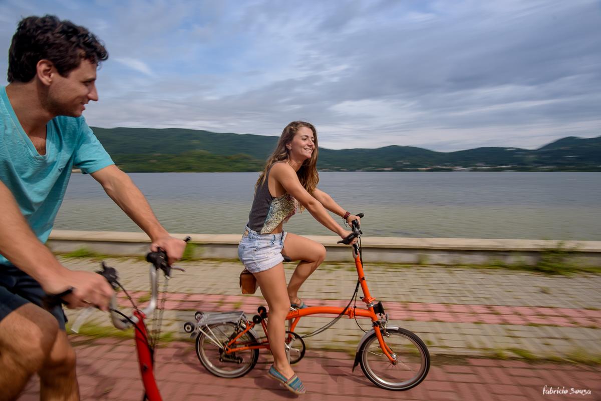 passeio de bike na ciclovia da Osni Ortiga na beira da Lagoa da Conceição Floripa