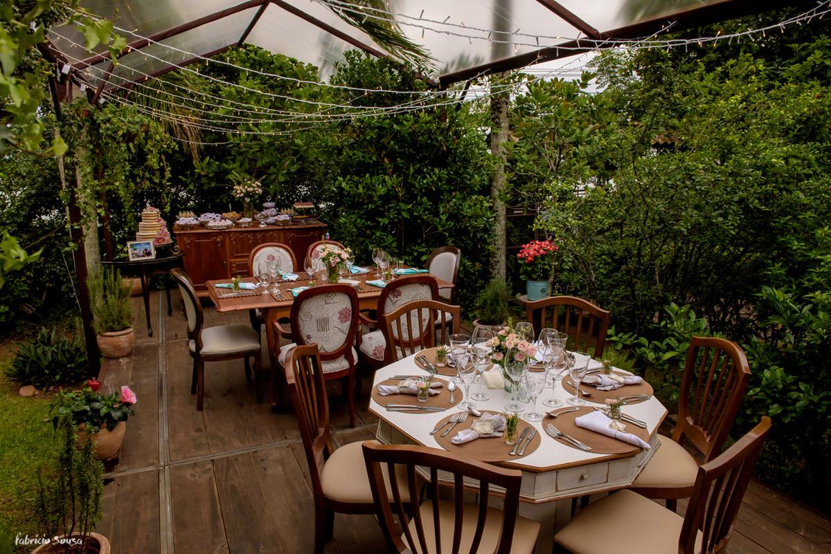 decoração casa branca eventos no Bistro Bettina Bub - mini-wedding no jardim
