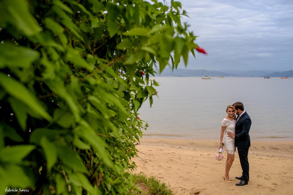 ensaio de casamento noivos na praia santo antonio de lisboa Floripa
