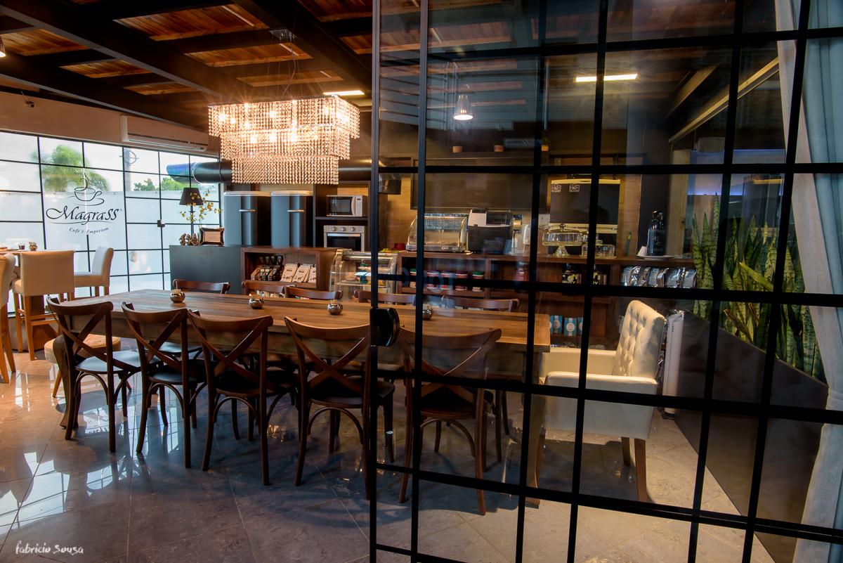 café empório e restaurante Magrass na academia Top One Club em Coqueiros Floripa