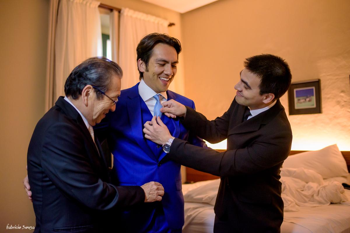 noivo Nando Oikawa com seu irmã e pai durante making of
