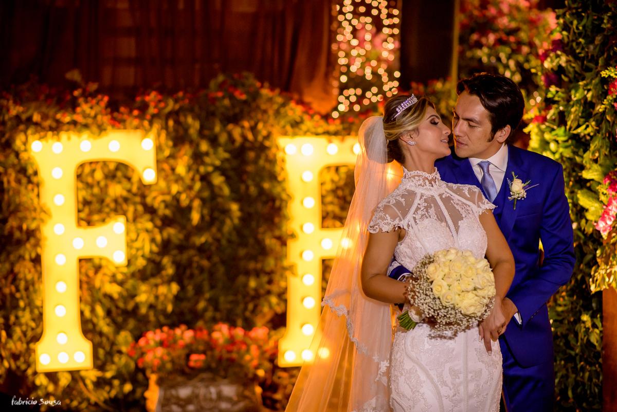 quase beijando na entrada da festa com decoração da Decora Belem