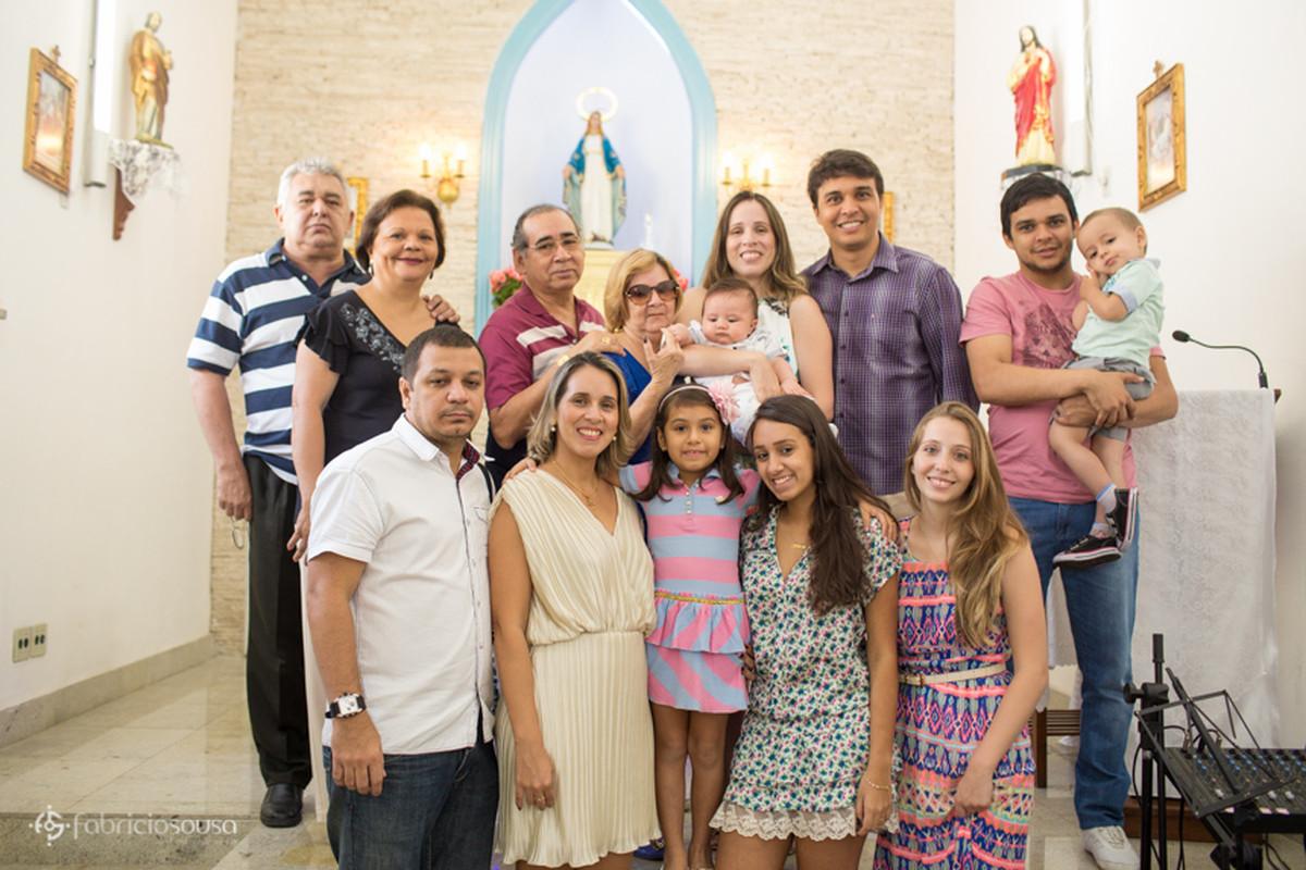 Retrato dos familiares presentes no batizado do pequeno Heitor