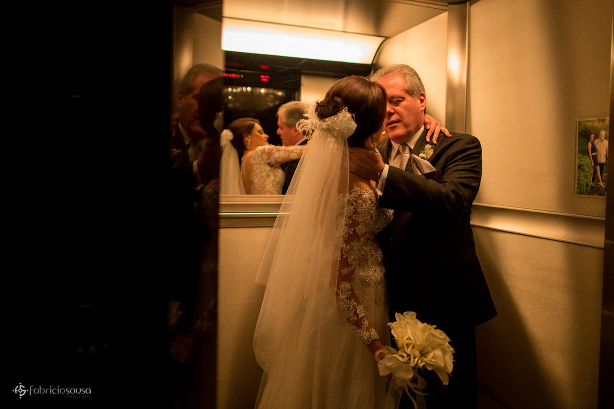 namorando no elevador do hotel