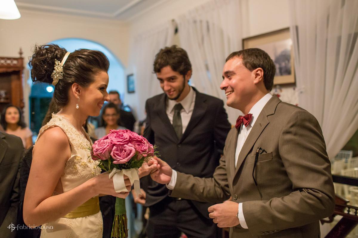 troca de olhares dos noivos