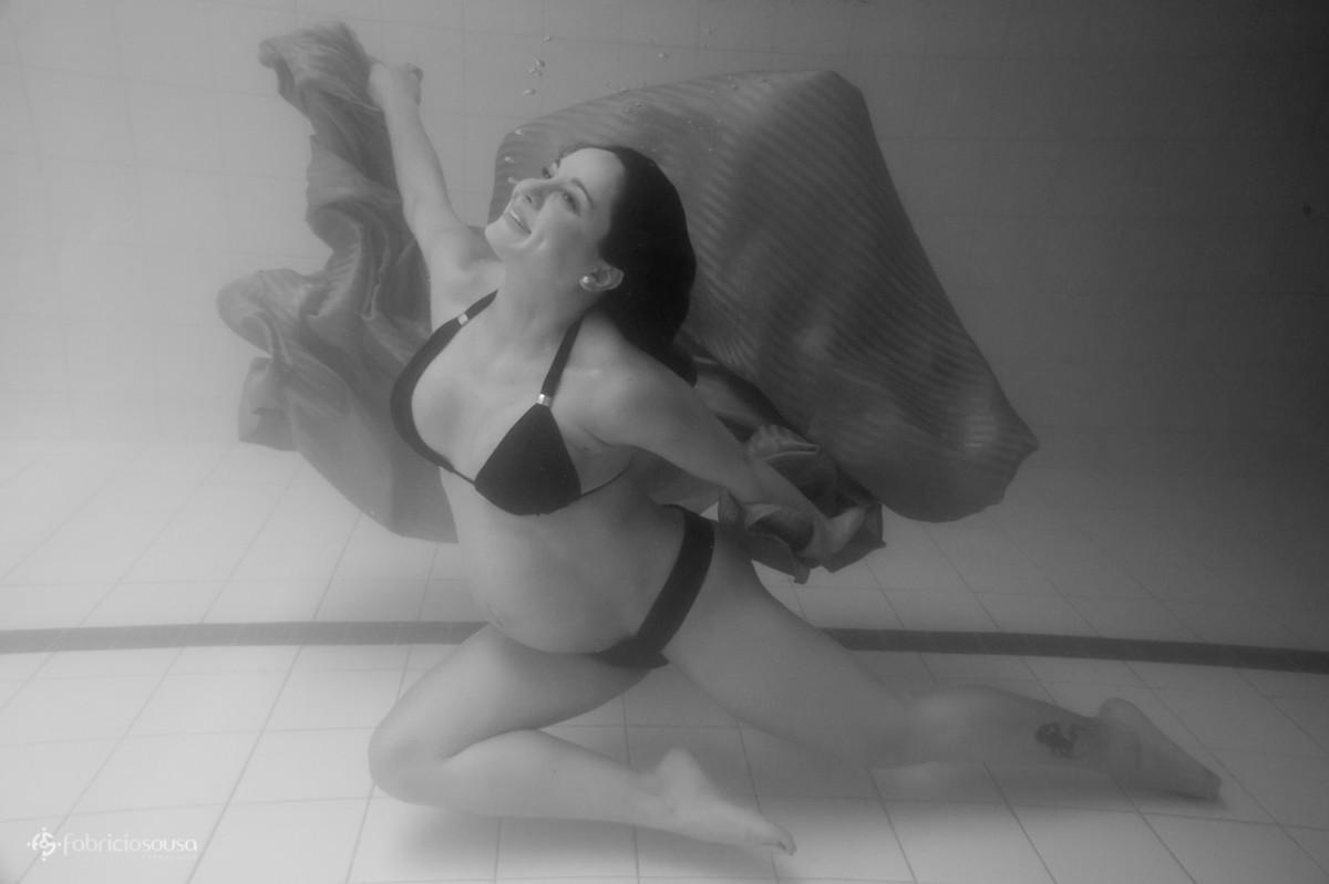 Fernanda grávida de baixo dágua b
