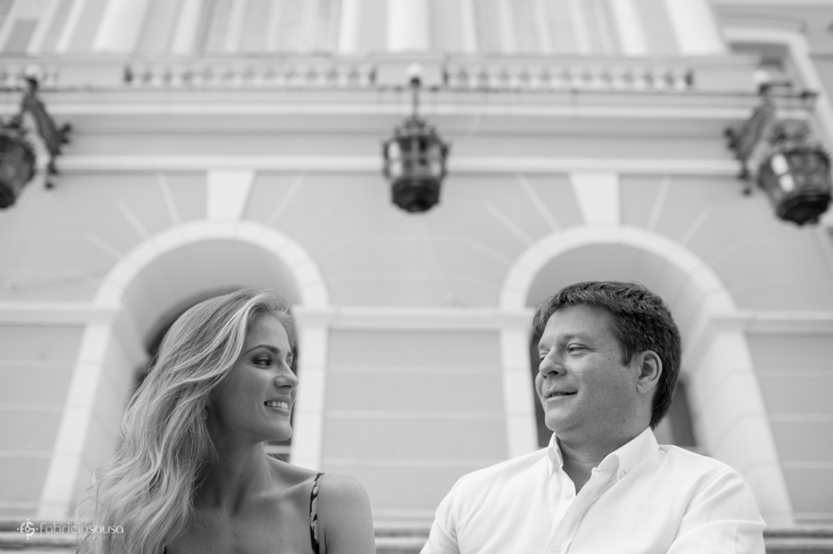 casal no colégio gentil - sessão fotográfica pre-wedding
