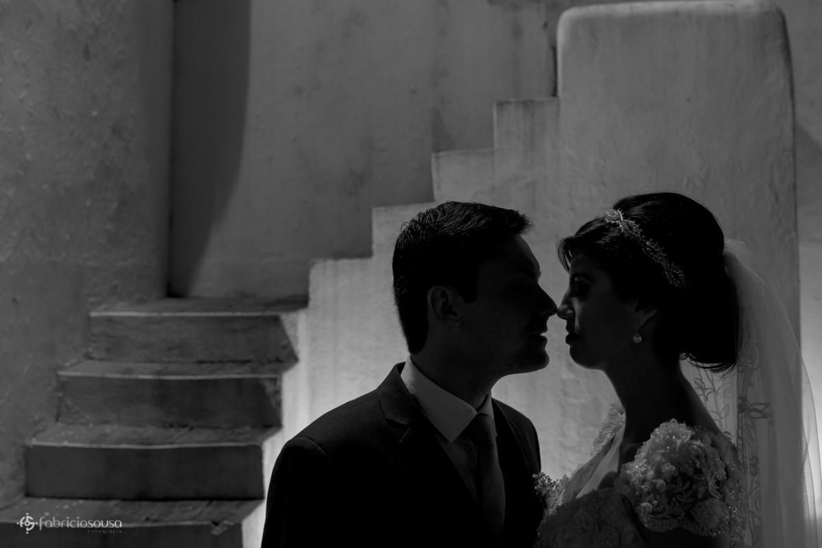 silhueta do casal na igreja de Santo Antonio de Lisboa