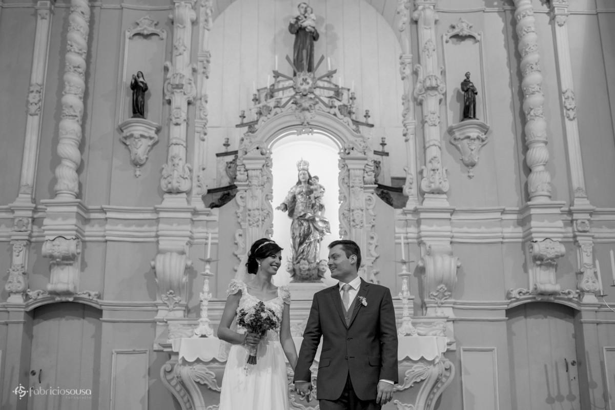 retrato do casal no altar