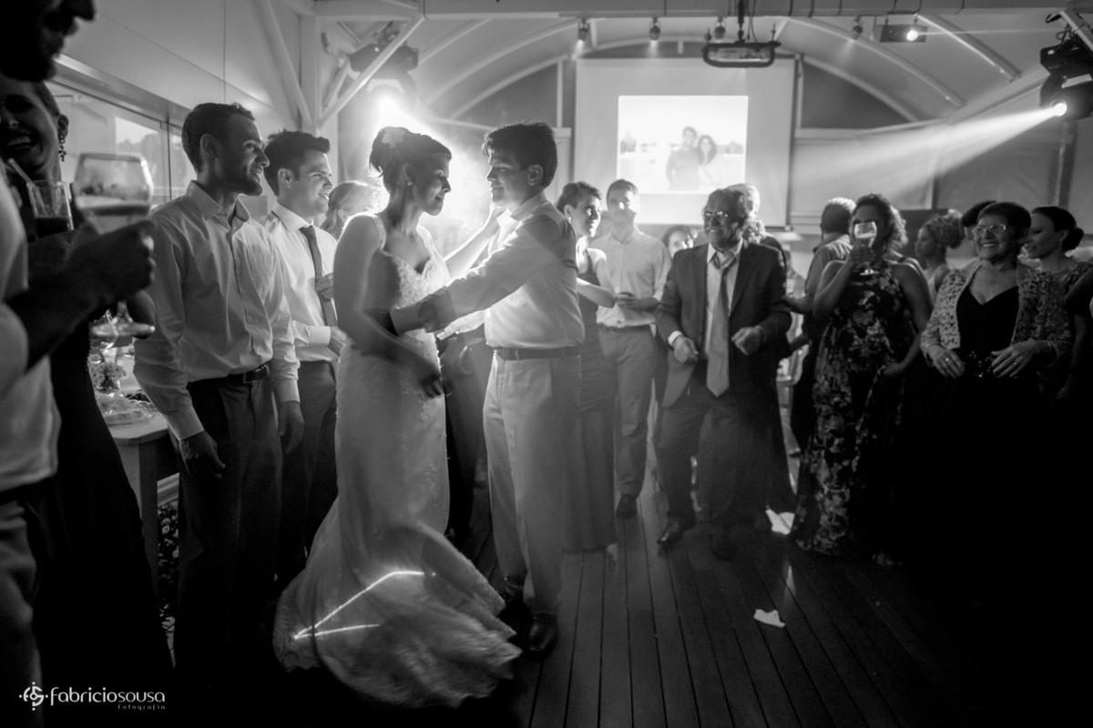 dança dos noivos recem-casados