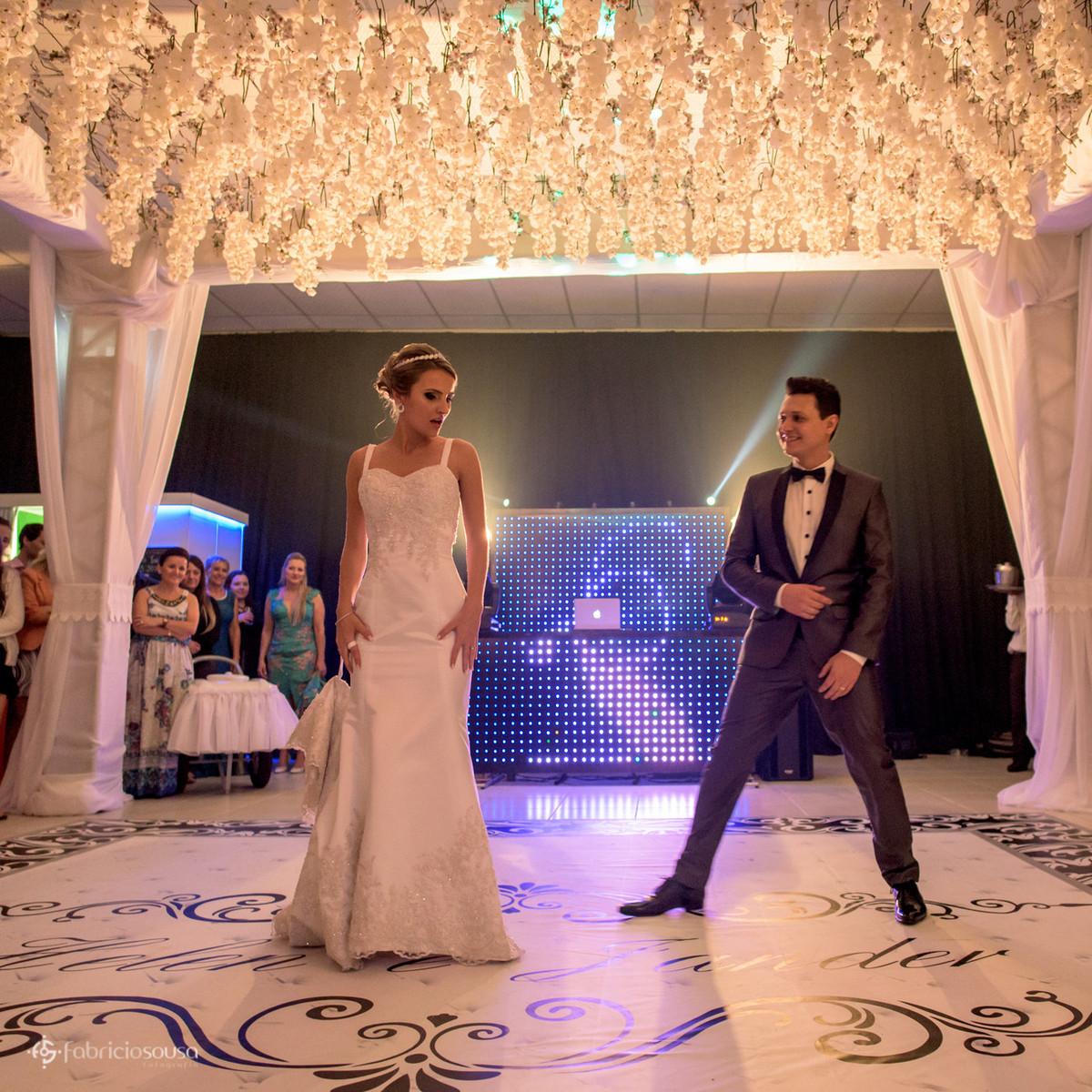 a dança ensaiada