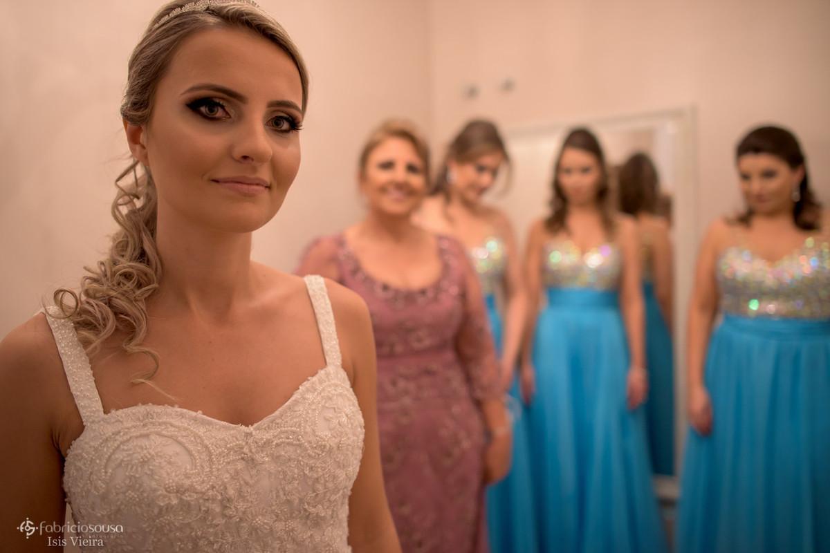 retrato da noiva e madrinhas no making of