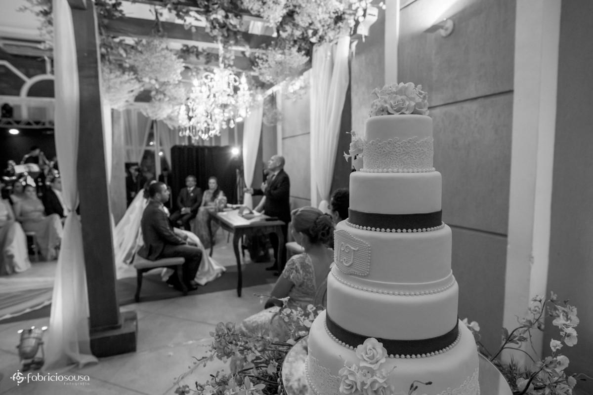 o bolo e a cerimonia