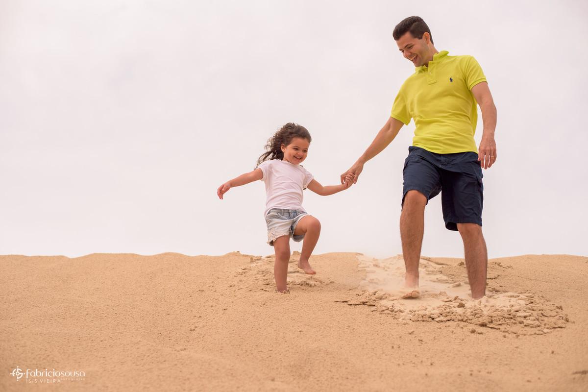 Guilherme e Isabela nas dunas em Florianopolis