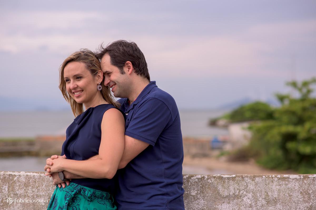 ensaio de família - Fernanda, Sergi e Bruno na cabeceira da ponte Hercílio Luz - Florianópolis/SC