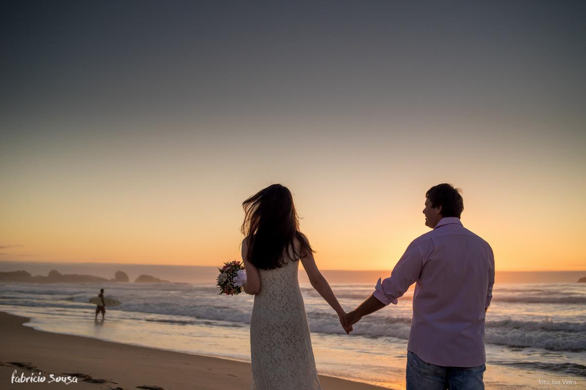 nascer do sol na praia Mole - ensaio de noivos em pre-casamento