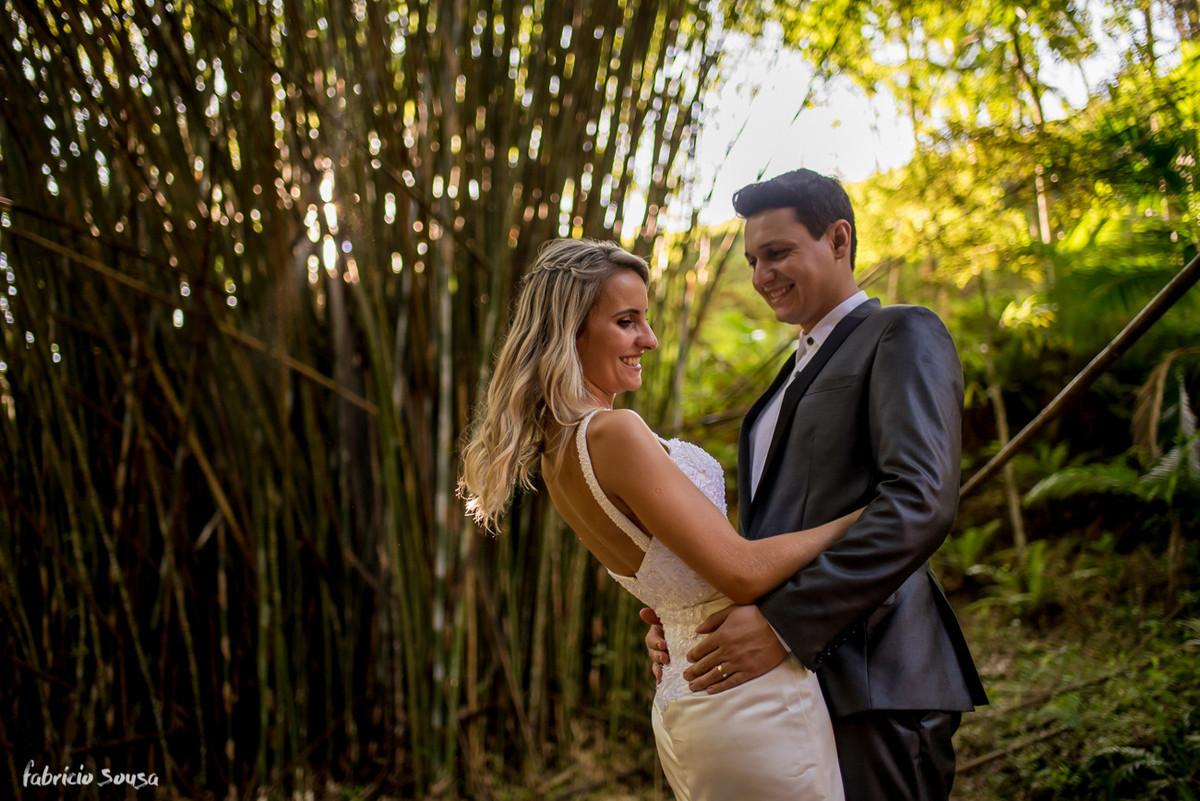 pós-casamento Helen e Jander - São João Batista/SC - trash the dress no bambuzal